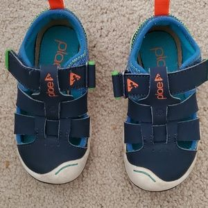 Plae toddler shoe size 8